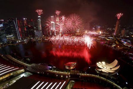 Hong Kong, Singapore dung dau the gioi ve chi so tu do kinh te - Anh 1
