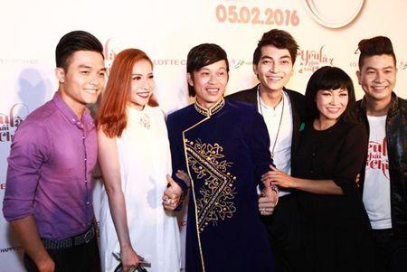 Suc khoe kem, Hoai Linh van het minh voi dong nghiep - Anh 3