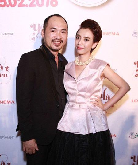 Suc khoe kem, Hoai Linh van het minh voi dong nghiep - Anh 9