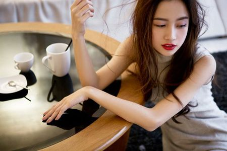 'Hot girl tra sua' ban Viet khien pho nhay phat cau - Anh 13
