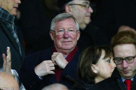 Man United 3-0 Stoke City: Quy do tro lai - Anh 2