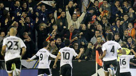 "03h00 ngay 04/02, Barcelona vs Valencia: Can trong truoc ""Bay doi"" - Anh 1"