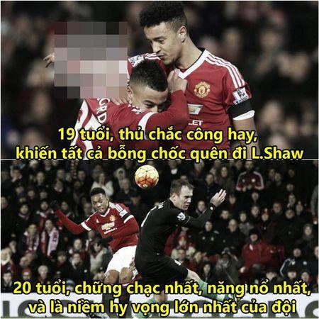 "Anh che: Bo ba MSN bat ngo cap ben san Old Trafford, CR7 dau xot khi bi Ronaldinho ""khinh thuong"" tai nang - Anh 6"