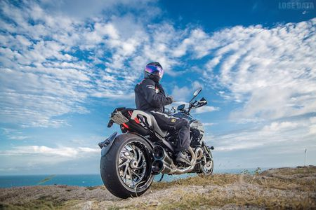 "Ducati Diavel Carbon ""full option"" sieu chat cua biker Viet - Anh 2"
