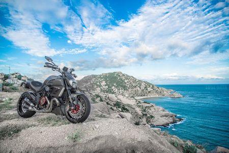 "Ducati Diavel Carbon ""full option"" sieu chat cua biker Viet - Anh 3"
