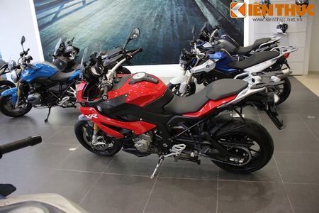 Can canh BMW S1000XR adventure chinh hang tai Viet Nam - Anh 14