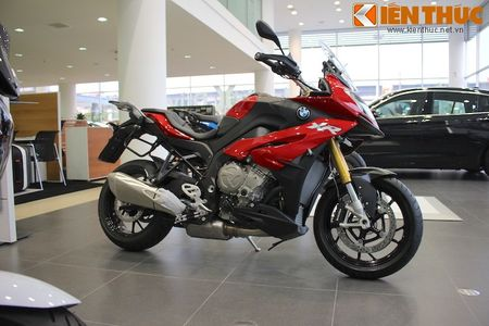 Can canh BMW S1000XR adventure chinh hang tai Viet Nam - Anh 1