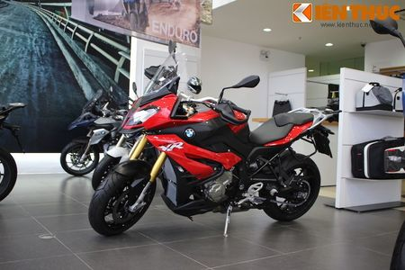 Can canh BMW S1000XR adventure chinh hang tai Viet Nam - Anh 7
