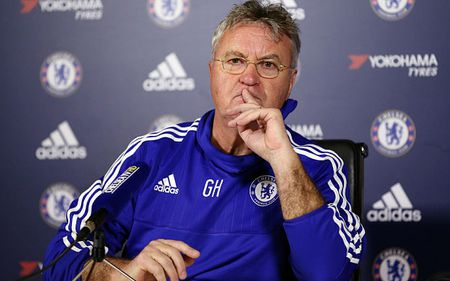 HLV Hiddink: 'Terry van co the tiep tuc o lai Chelsea' - Anh 1