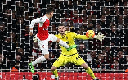 Binh luan: Co hoi khong cho Arsenal - Anh 1