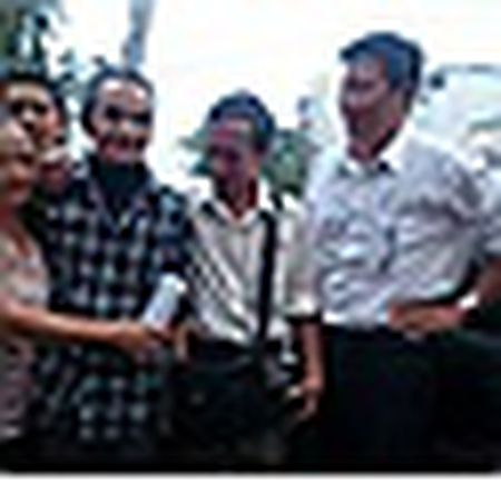 Anh: 'Nguoi tu the ky' Huynh Van Nen don nha moi ngay truoc Tet - Anh 12