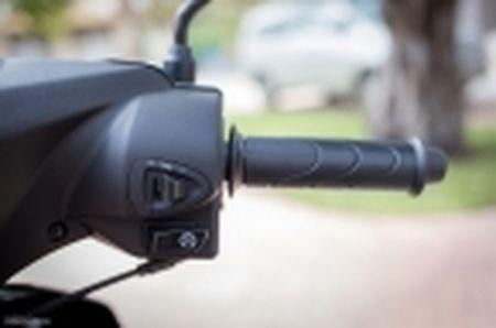 Trai nghiem nhanh Honda Blade 110 2016: xe gia re, thiet ke tot, chay em - Anh 26