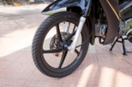 Trai nghiem nhanh Honda Blade 110 2016: xe gia re, thiet ke tot, chay em - Anh 36