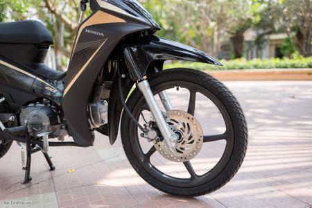 Trai nghiem nhanh Honda Blade 110 2016: xe gia re, thiet ke tot, chay em - Anh 3