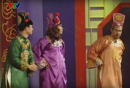 """Trang phuc Tao quan """"len doi"""" the nao qua cac nam? - Anh 10"""
