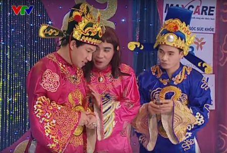 """Trang phuc Tao quan """"len doi"""" the nao qua cac nam? - Anh 12"""