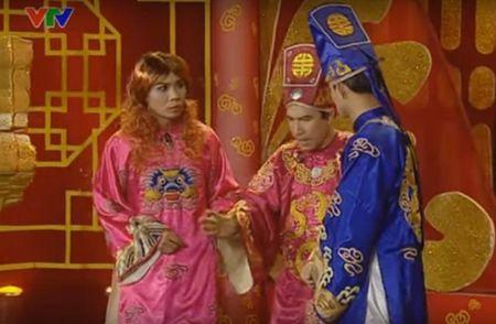 """Trang phuc Tao quan """"len doi"""" the nao qua cac nam? - Anh 13"""