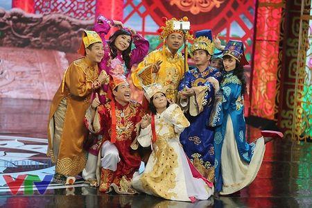 """Trang phuc Tao quan """"len doi"""" the nao qua cac nam? - Anh 17"""