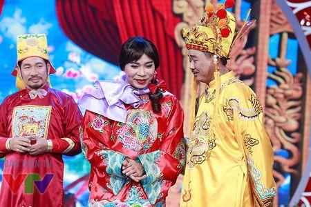 """Trang phuc Tao quan """"len doi"""" the nao qua cac nam? - Anh 19"""