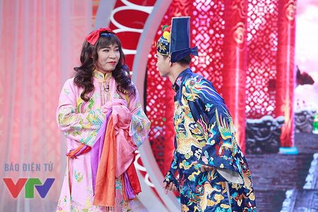 """Trang phuc Tao quan """"len doi"""" the nao qua cac nam? - Anh 21"""