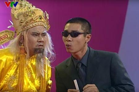 """Trang phuc Tao quan """"len doi"""" the nao qua cac nam? - Anh 4"""