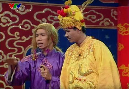 """Trang phuc Tao quan """"len doi"""" the nao qua cac nam? - Anh 6"""