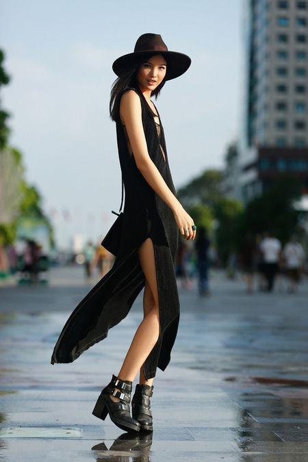 Cha Mi, Huong Ly Next Top Model khoe dang chuan trong bo anh streetstyle - Anh 1