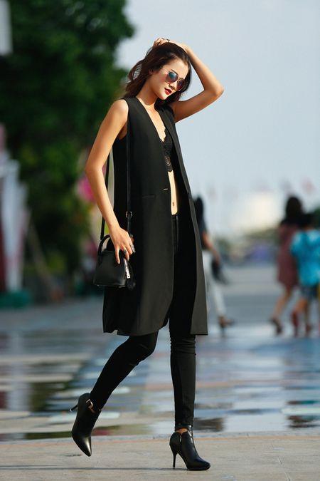 Cha Mi, Huong Ly Next Top Model khoe dang chuan trong bo anh streetstyle - Anh 3