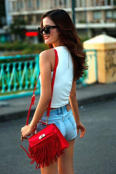 Cha Mi, Huong Ly Next Top Model khoe dang chuan trong bo anh streetstyle - Anh 7
