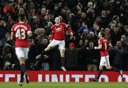 Sao tre lap cong, Man United thang tung bung o Old Trafford - Anh 6
