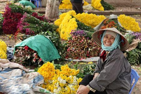 6 cho hoa Tet noi tieng cua Ha Noi - Anh 2