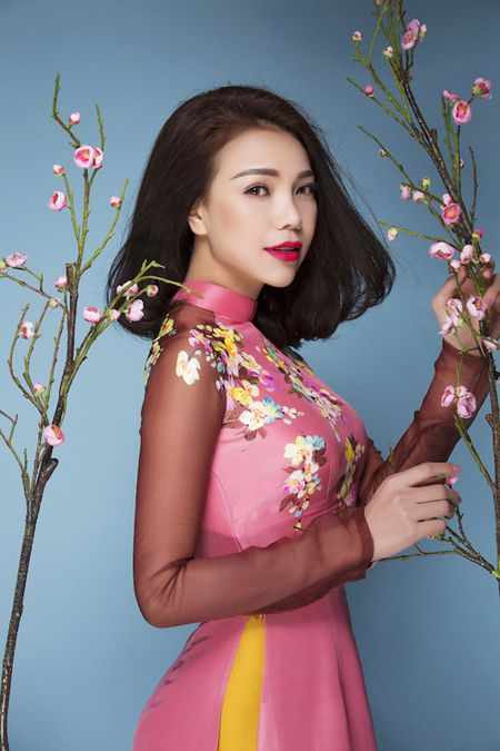 Tra Ngoc Hang tung ca khuc soi dong mung Xuan - Anh 2