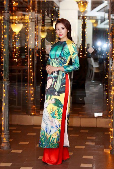 Hoa hau Ky Duyen, Ngoc Han do dang voi ao dai Xuan - Anh 1