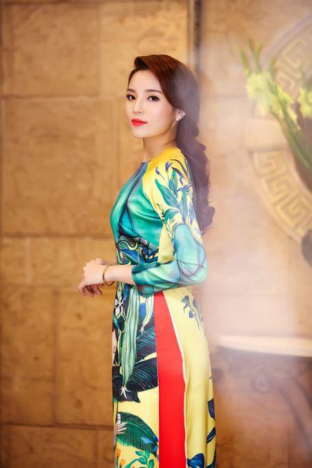 Hoa hau Ky Duyen, Ngoc Han do dang voi ao dai Xuan - Anh 3