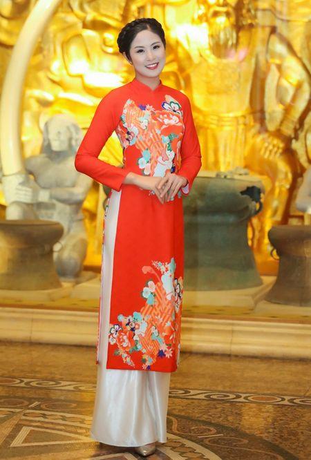Hoa hau Ky Duyen, Ngoc Han do dang voi ao dai Xuan - Anh 4