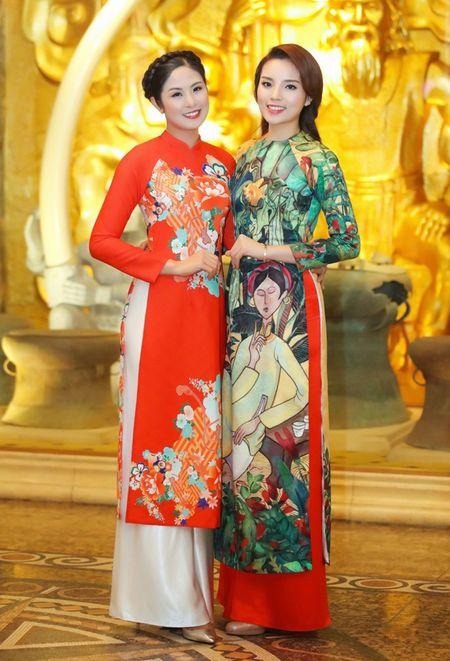 Hoa hau Ky Duyen, Ngoc Han do dang voi ao dai Xuan - Anh 5