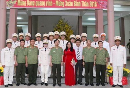 Thu truong Thuong truc Dang Van Hieu lam viec voi Canh sat PCCC TP.Can Tho - Anh 4
