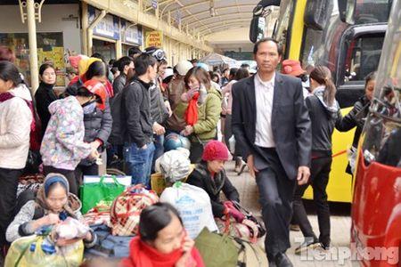 Ha Noi: Ben xe dong nghit nguoi roi Thu do dip Tet Nguyen dan - Anh 8