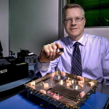 NASA phat trien modem sieu toc moi cho lien lac vu tru - Anh 2