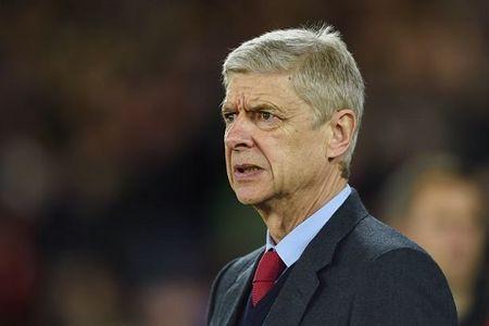 HLV Wenger noi gi khi Phao thu tit ngoi ba tran gan nhat? - Anh 2