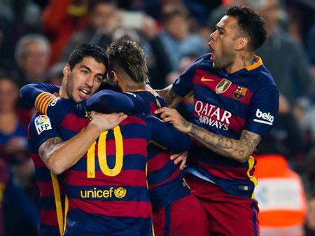 Barcelona vs Valencia (3h ngay 4/1): Loi cham het cho Gary Neville - Anh 2