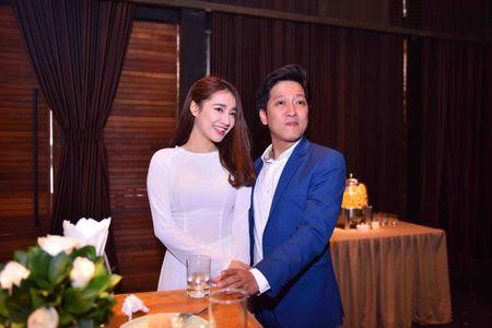 Nha Phuong mac ao dai den mung Truong Giang mo truong Anh ngu - Anh 2