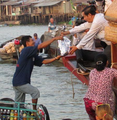 Tet den voi thuong ho cho noi Cai Rang - Anh 2