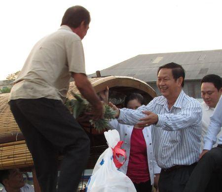 Tet den voi thuong ho cho noi Cai Rang - Anh 3