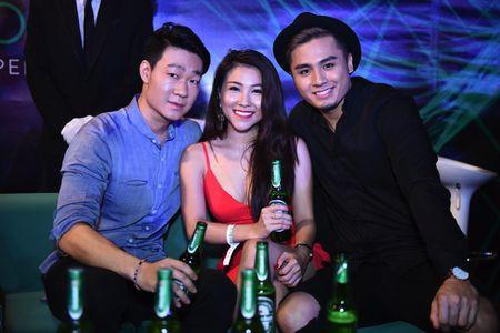Tran Thanh dich than lai xe sang don fan di du tiec - Anh 3