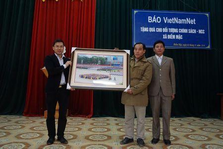 Hoi am ban doc den voi nguoi dan Dinh Hoa, Thai Nguyen - Anh 5