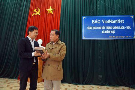 Hoi am ban doc den voi nguoi dan Dinh Hoa, Thai Nguyen - Anh 6