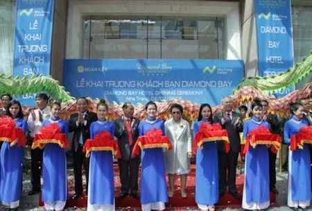 Khai truong khach san Diamond Bay, Nha Trang - Anh 1