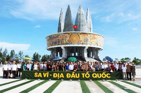 Luong khach du lich den Mong Cai (Quang Ninh) trong thang 1 tang gan 80% - Anh 1