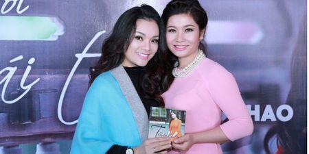 """""""Sao Mai"""" Song Thao ket doi voi Tan Nhan - Anh 1"""